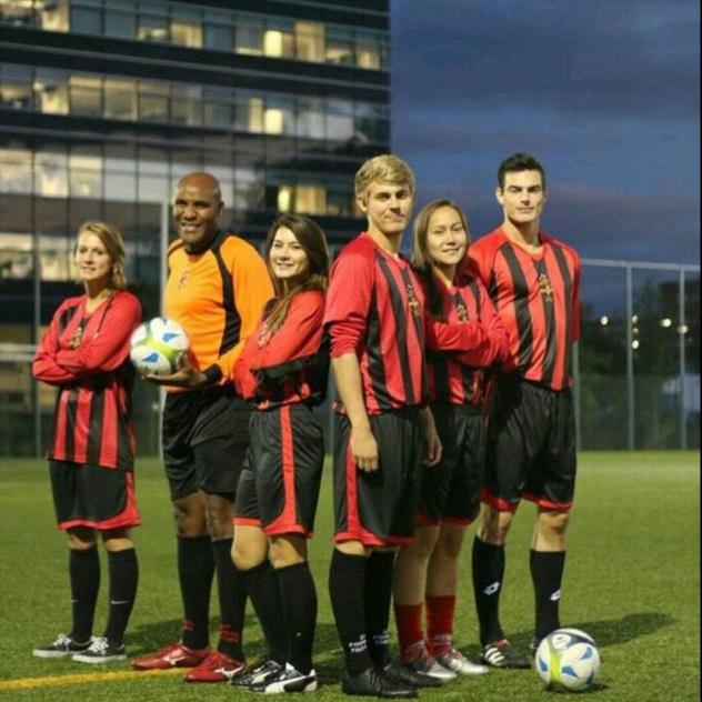 Hier nog op het voetbalveld van de Universiteit Leiden